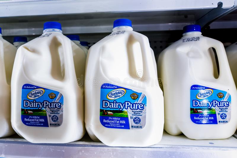 Nov 12, 2019 Sunnyvale / CA / USA - DairyPure milk on shelves in a supermarket; the DairyPure brand is owned by the largest dairy. Company in the United States royalty free stock images