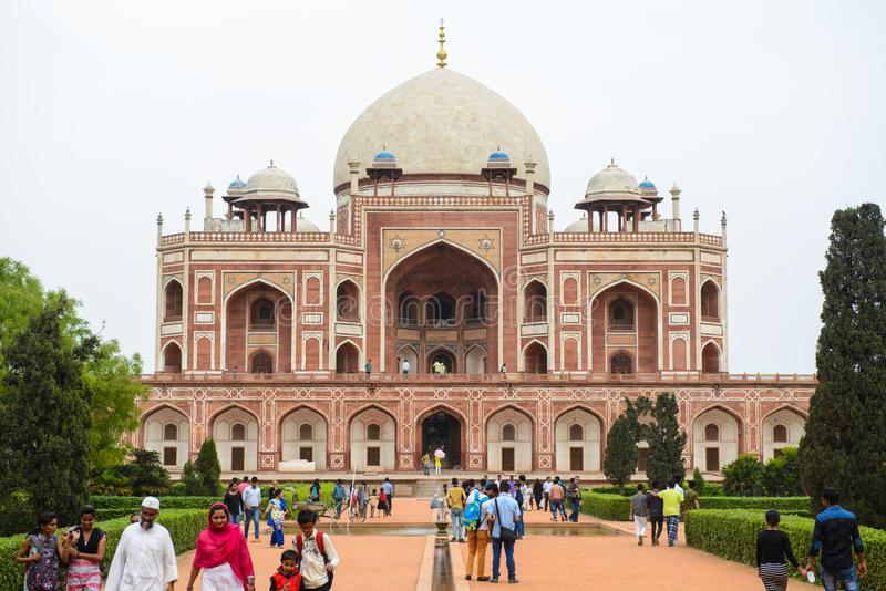 Nova Deli, Índia - 10 de abril de 2016: Complexo do túmulo do ` s de Humayun, o túmulo do imperador Humayun de Mughal em Deli, Ín fotos de stock royalty free