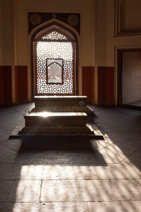 Nova Deli, ?ndia, o 30 de mar?o de 2019 - interior do t?mulo de Humayun do imperador Humayun de Mughal constru?do em 1565, Deli,  foto de stock