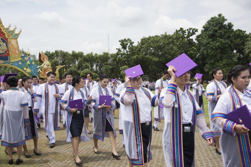 A nova geração de universitário dos graduados imagens de stock royalty free