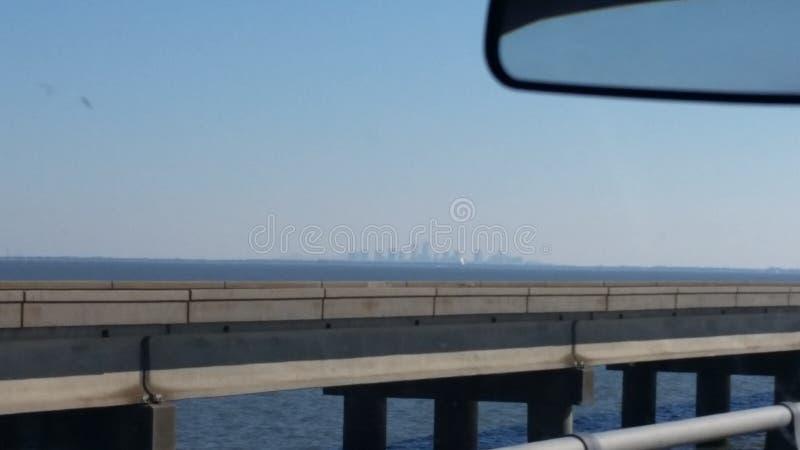 Nova Orleães na distância imagem de stock