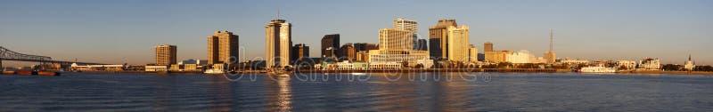Nova Orleães - skyline do amanhecer imagens de stock royalty free
