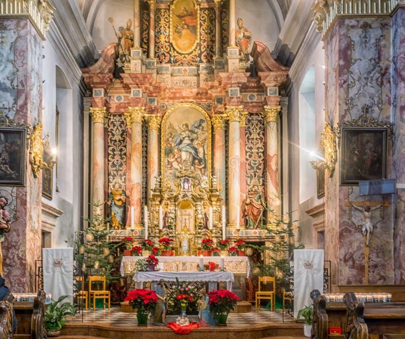 Nova Ponente, Italia - 30 de diciembre de 2017: Monasterio de Pietralba cerca de Monte San Pietro, Nova Ponente, el Tyrol del sur foto de archivo