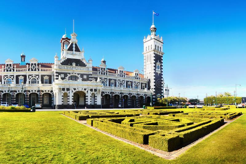 Nova Zelândia, construções históricas, Dunedin, estação de trem foto de stock royalty free