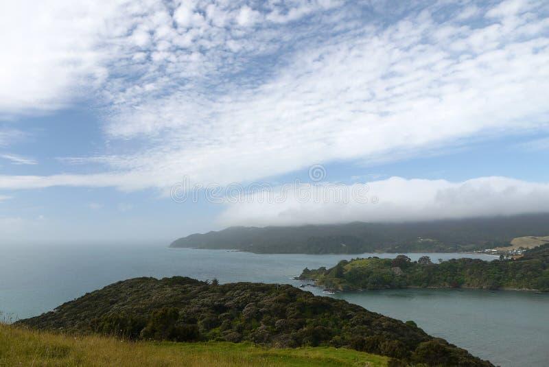 Nova Zelândia: Entrada de porto de Mangonui imagem de stock royalty free