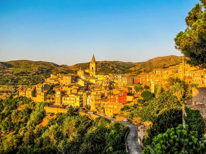 Novara di Sicilia, Sicília, Itália imagem de stock