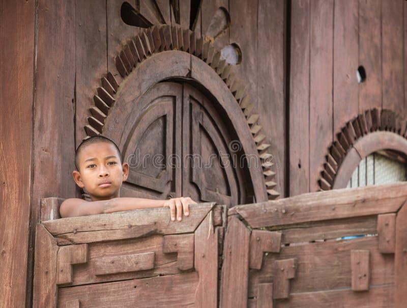 Novato budista birmano en Mandalay fotografía de archivo libre de regalías