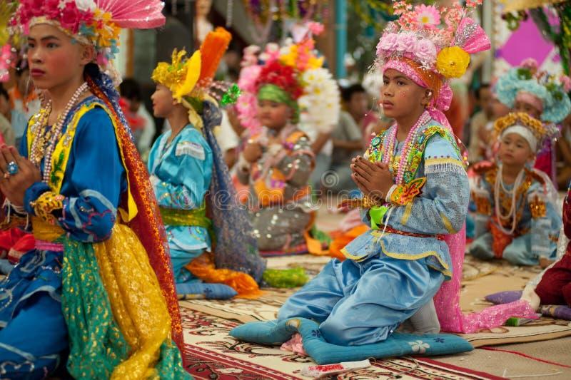 Novato en festival Poy-Cantar-largo en septentrional de Tailandia. fotografía de archivo libre de regalías