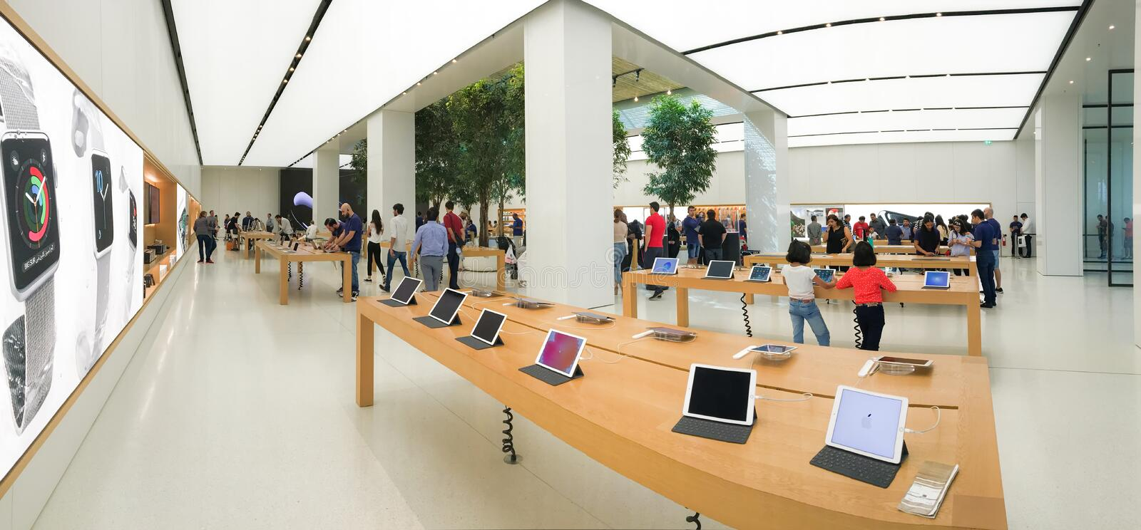 Apple store of the Mall of Emirates royalty free stock photography
