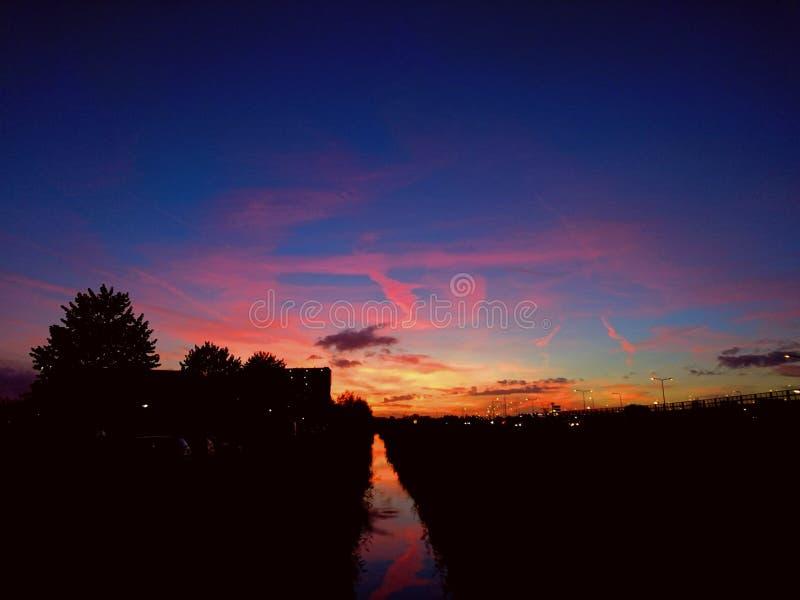 november solnedgång royaltyfria foton
