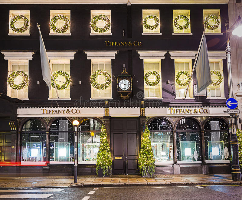 13 novembre 2014 boutique de Tiffany sur la nouvelle rue en esclavage, Londres, décorums photographie stock libre de droits