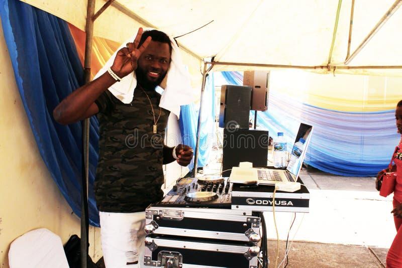 2 novembre 2019 DJ EMZORR sul palco del Kaduna Food Festival fotografia stock