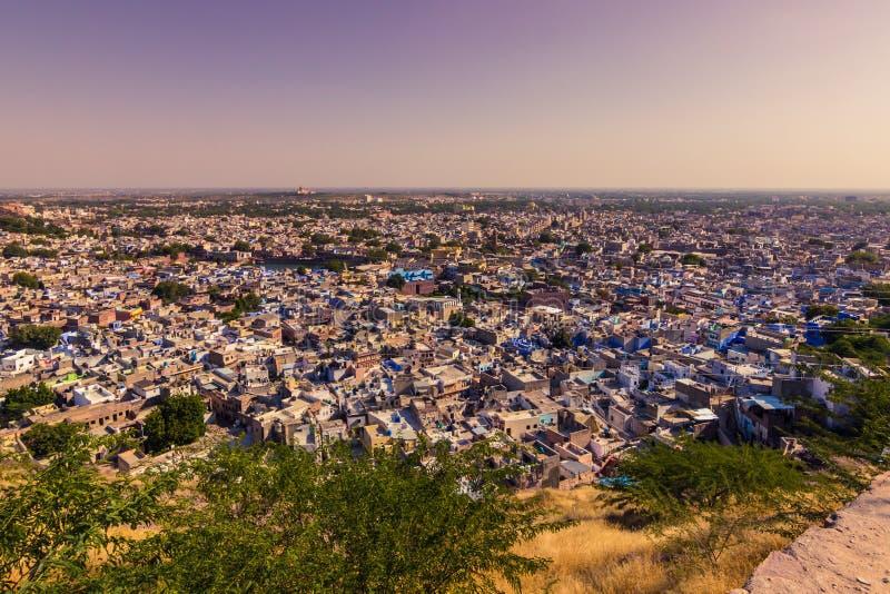 5 novembre 2014 : Panorama de la ville bleue de Jodhpur, Inde photos libres de droits