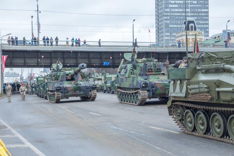18 novembre parata di indipendenza in Lettonia immagine stock libera da diritti