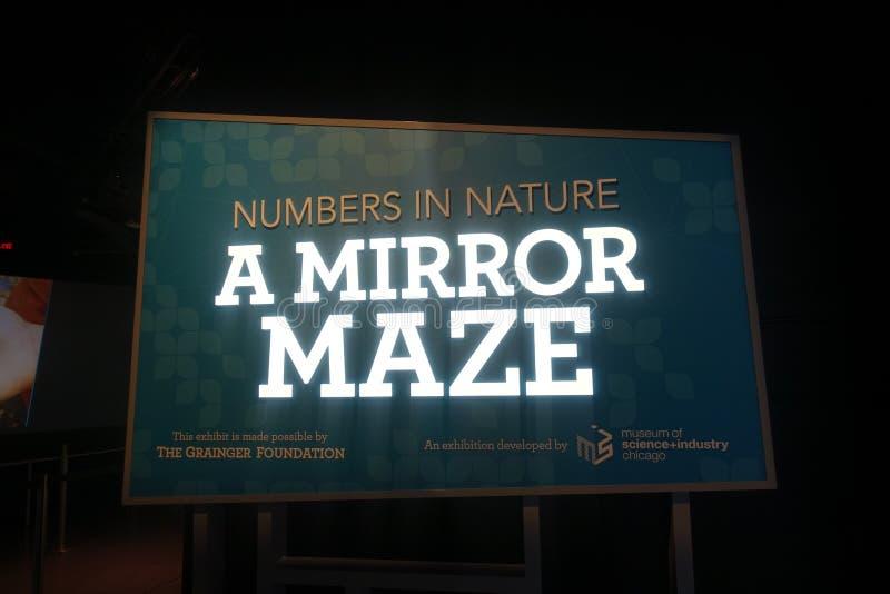 Novembro de 2019- Número na natureza a labirinto espelho no mundo da ciência Vancouver, BC Canadá fotografia de stock royalty free