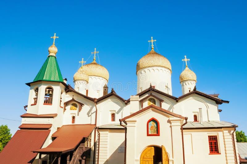 novgorod Ρωσία veliky Αρχαία εκκλησία του ST Philip ο απόστολος και ο Άγιος Βασίλης σε Veliky Novgorod, Ρωσία στοκ εικόνα