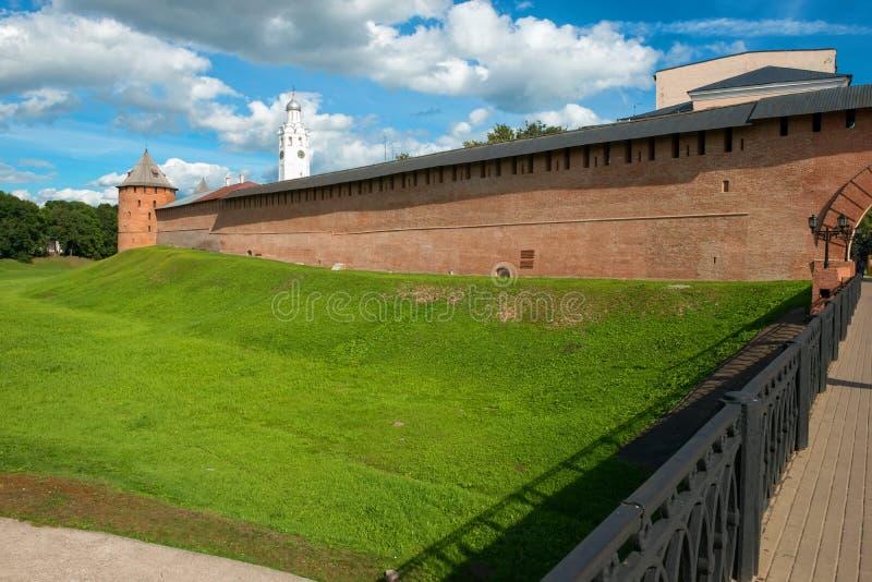 Αψίδα αναζοωγόνησης και η είσοδος γεφυρών στο Κρεμλίνο στοκ εικόνες