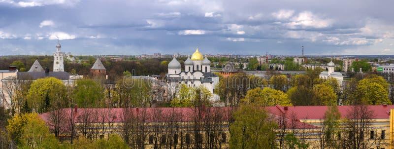 Novgorod Kreml med en fågelperspektiv, Veliky Novgorod fotografering för bildbyråer