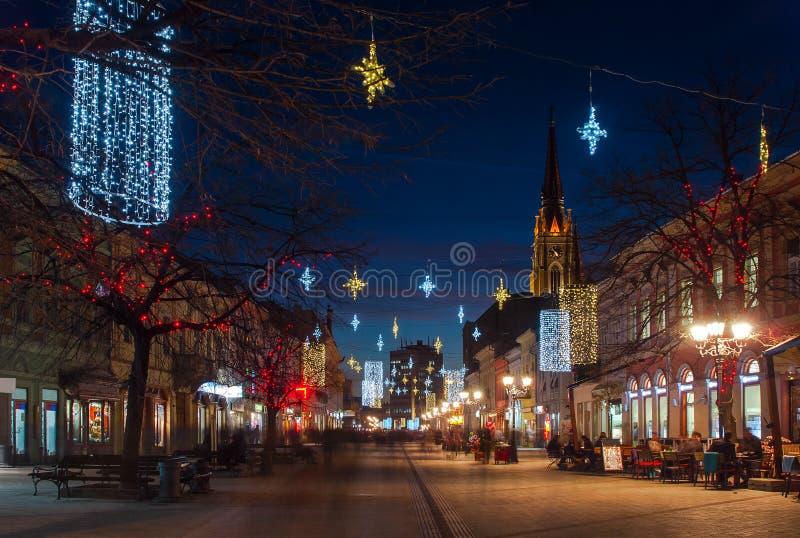 Novi Sad bij nacht royalty-vrije stock afbeelding