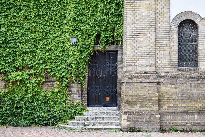 Novi Sad/Sérvia - 04 06 2019 - sinagoga Novi Sad imagem de stock royalty free