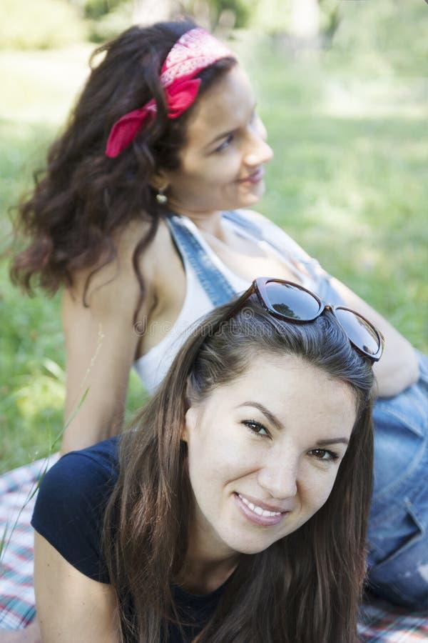Novia al aire libre foto de archivo