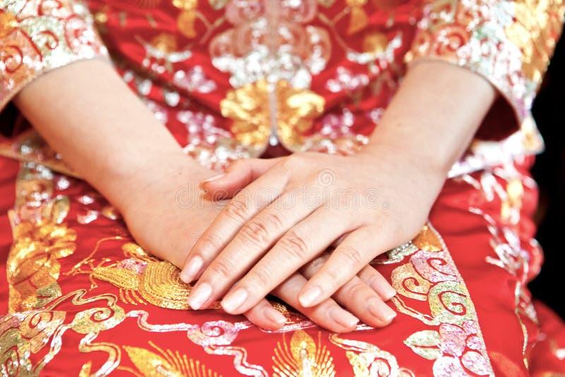 Novia china en día de boda imagenes de archivo