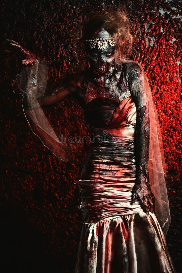Novia de moda del zombi foto de archivo