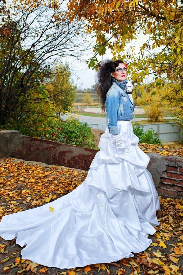 Novia en vestido de boda fotos de archivo libres de regalías