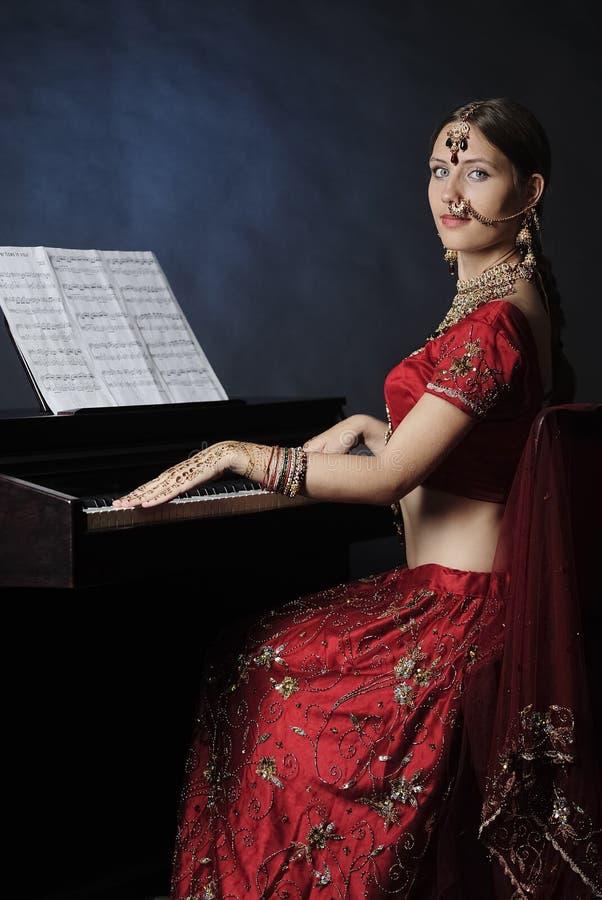 Novia hind? lista para la boda imagen de archivo