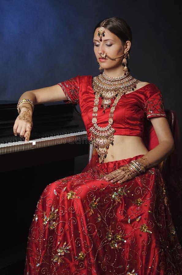 Novia hind? lista para la boda fotos de archivo