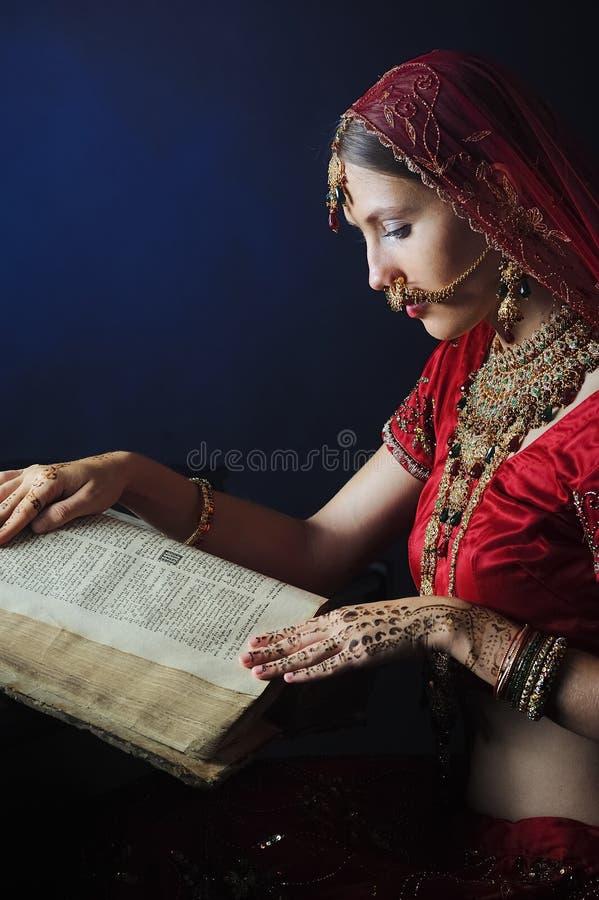 Novia hind? lista para la boda foto de archivo