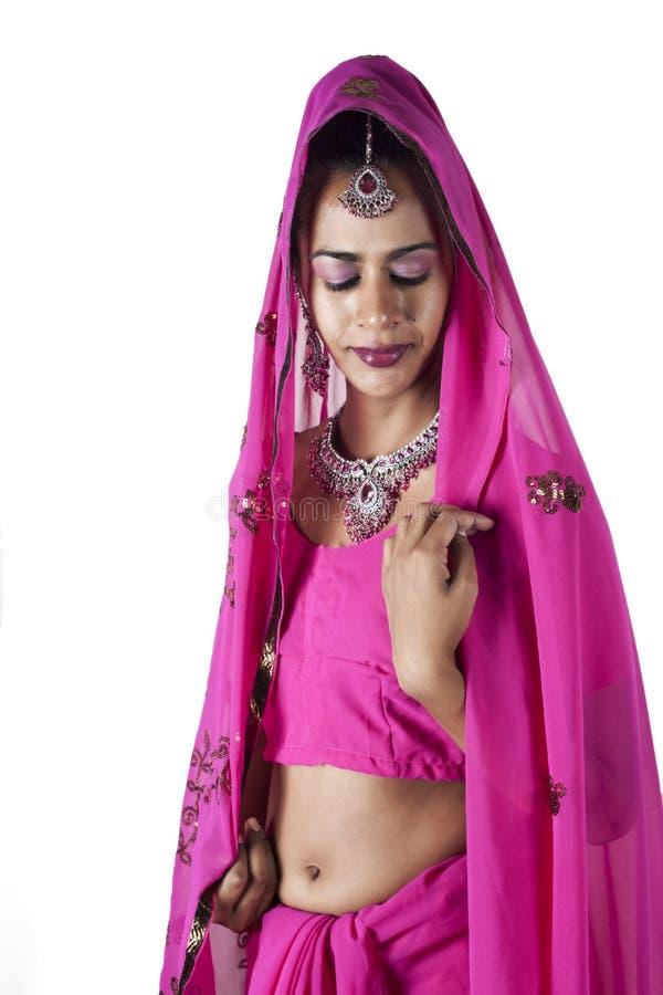 Novia India En Sari Tradicional Foto de archivo - Imagen de ...