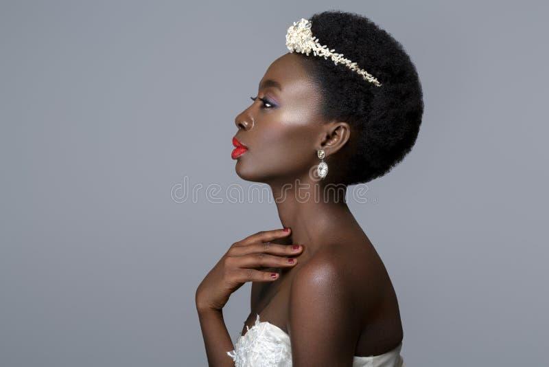 Novia negra hermosa de la piel foto de archivo