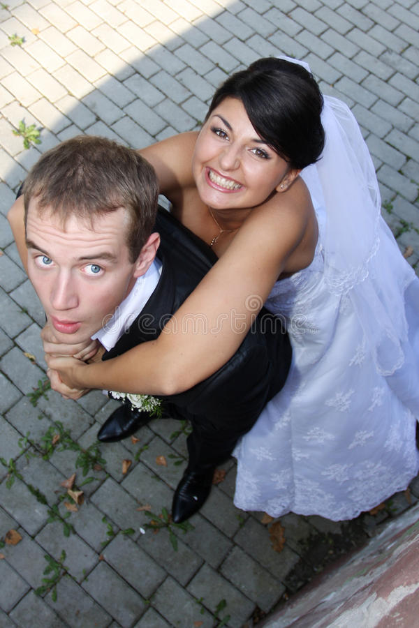 Novia y novio imagenes de archivo