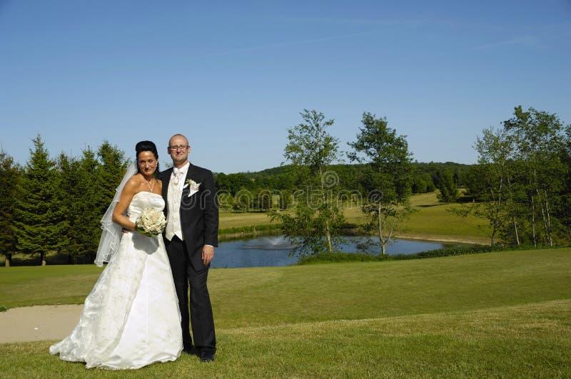 Novia y novio de la boda fotos de archivo libres de regalías