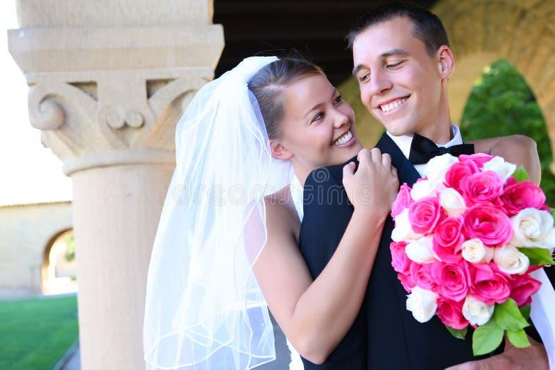 Novia y novio en la boda imágenes de archivo libres de regalías