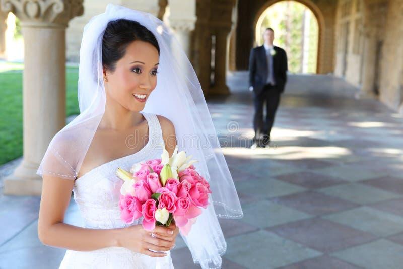 Novia y novio en la boda foto de archivo libre de regalías