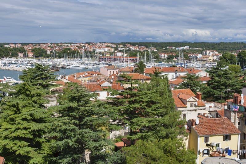 Novigradcityscape en jachthaven, Istria, Kroatië royalty-vrije stock fotografie