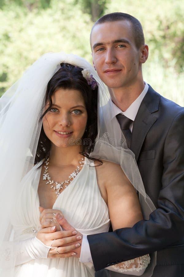 Novio con la novia foto de archivo libre de regalías