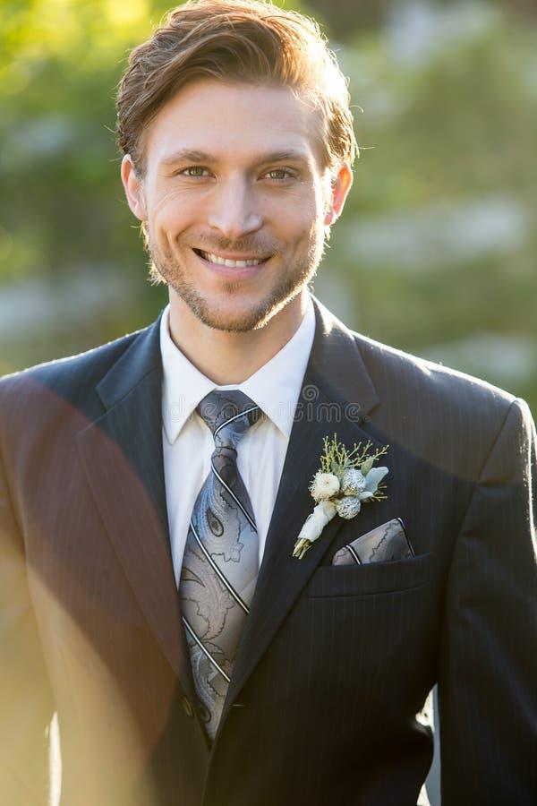 Novio en la boda fotografía de archivo libre de regalías