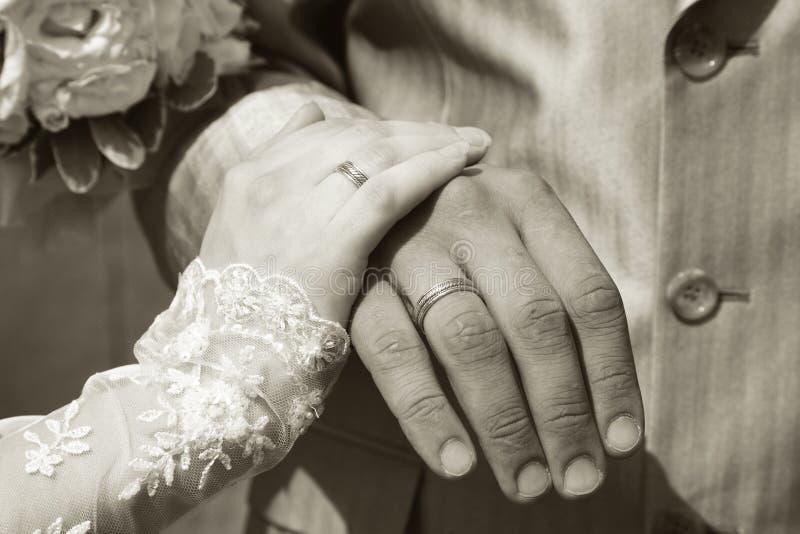 Novio y la novia fotos de archivo libres de regalías