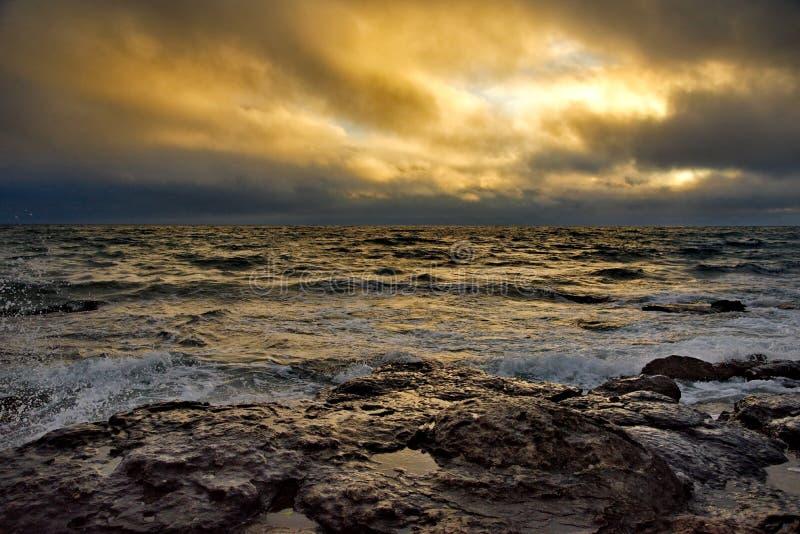 Novisstorm på Kaspiska havet royaltyfri foto