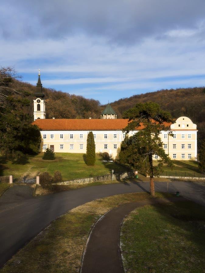 Novo Hopovo Monastery nära Irig, Serbien arkivfoto