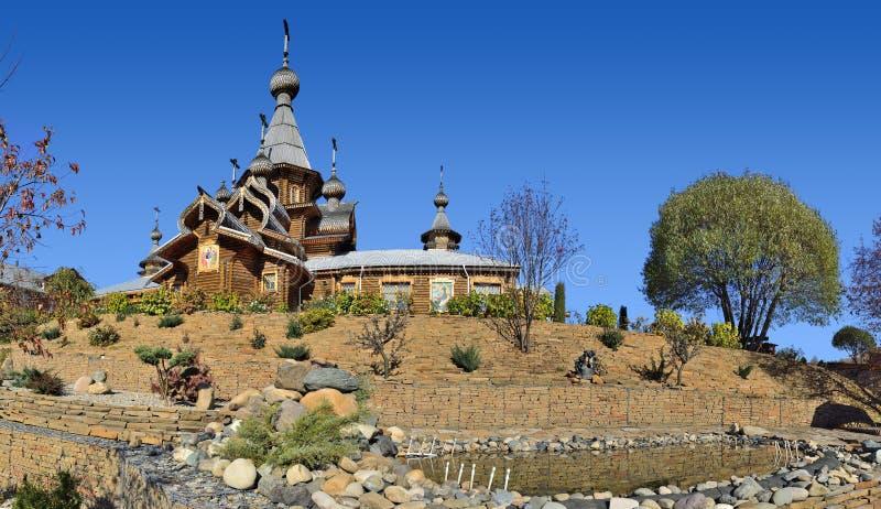 Novokuznetsk, Russland - 9. Oktober 2018: Hölzerner Christian Temple stockbild