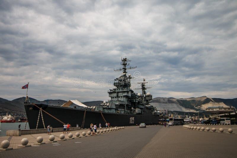 Novorossiysk, Rusland, 23 Augustus, 2018: Russisch oorlogsschip royalty-vrije stock foto's