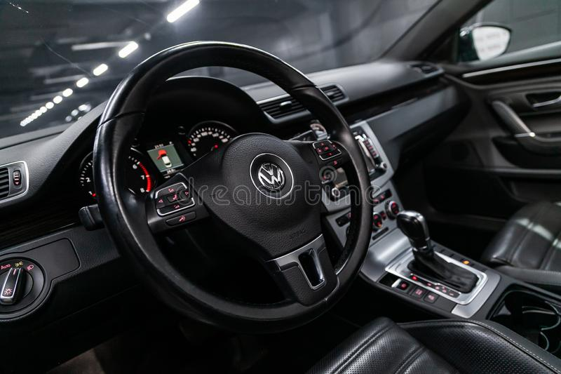 Novosibirsk, Rusland 30 Juli, 2019: Volkswagen Passat CC royalty-vrije stock afbeelding