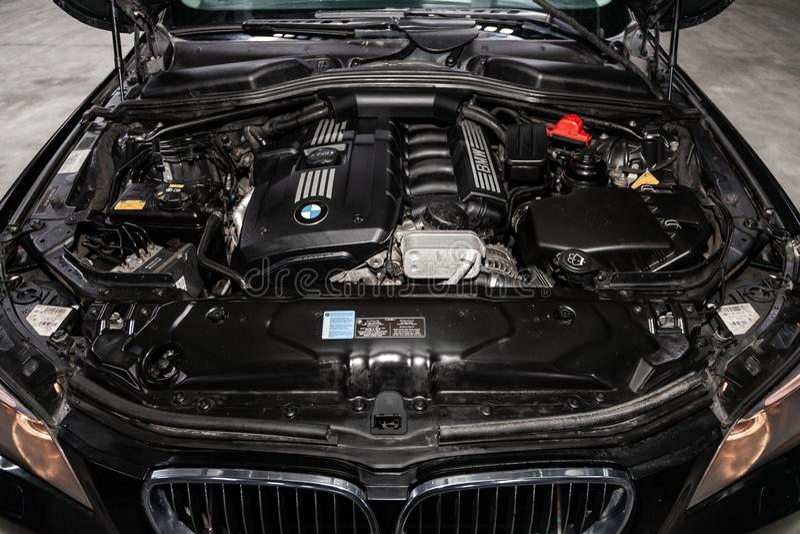 Novosibirsk Ryssland - Februari 19, 2019: BMW X5 arkivfoton
