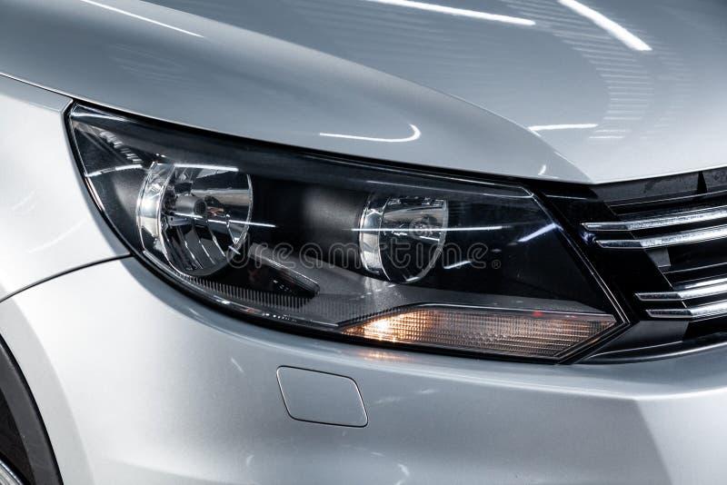 Novosibirsk Ryssland - Februari 01, 2019: Volkswagen Tiguan arkivfoto