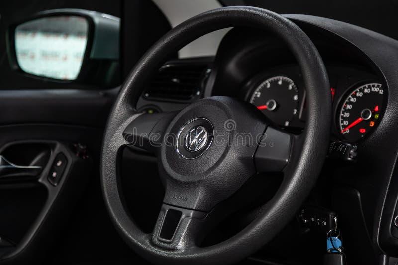 Novosibirsk Ryssland - Januari 30, 2019: Volkswagen Polo fotografering för bildbyråer
