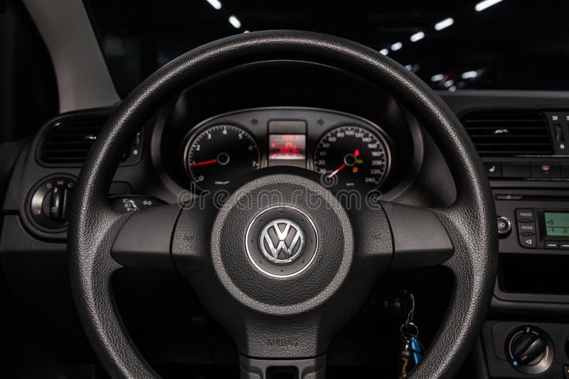 Novosibirsk Ryssland Juli 08, 2019: Volkswagen Polo fotografering för bildbyråer